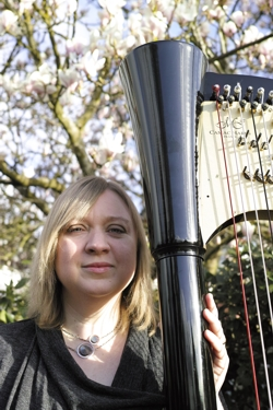 Photograph of Elen Vining ~ harpist
